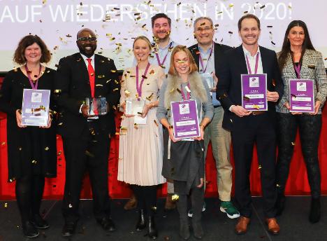 'Inspirato Pharma Marketing Awards 2019' (v.l.): Elke Born (Femannose von Klosterfrau), Kwesi Ofosu (Eucerin Anti-Pigment von Beiersdorf), Stefanie Schulze (Cetaphil von Galderma), Torsten Knor (Thomapyrin Tension Duo von Sanofi), Dr. Anja Schürmann (Orthomol Beauty von Orthomol), Dr. Hari Sven Krishnan (Heilpflanzenwohl), Volker Balles (MometaHexal von Hexal) und Barbara Sold (Ursapharm) - (Foto: Uta Wagner/Euroforum)