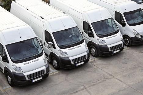 Zusteller wie DHL, DPD, FedEx, Hermes, GLS und UPS sind in Zeiten des Online-Handels gefragt wie nie (Foto: Ellisia/Fotolia)